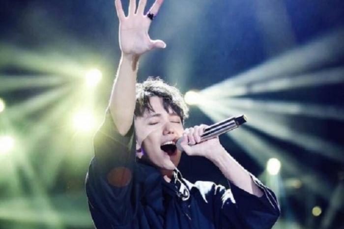 Trong mộng mơ thấy ma hát khiến bạn sợ hãi
