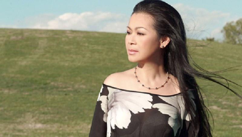 Mơ thấy ca sỹ Khánh Ly bạn sẽ gặp được nhiều may mắn